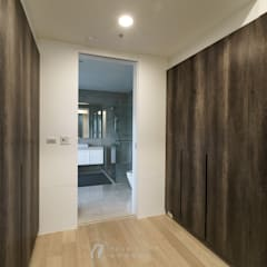 XU House:  更衣室 by 元作空間設計