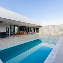 Infinity pool by Leda Maria Arquitetura, Industrial Tiles