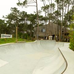 Bukubaki - Eco Surf Resort: Hotéis  por Projecto 84