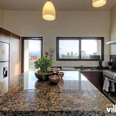 Casa Onix en San Miguel de Allende: Cocinas equipadas de estilo  por VillaSi Construcciones