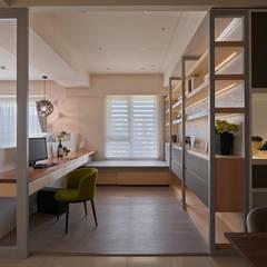 與空間對話 綠意 mix人文的生活體驗:  書房/辦公室 by 趙玲室內設計