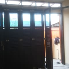 Garage Doors by MODE KARYA, Minimalist Wood Wood effect