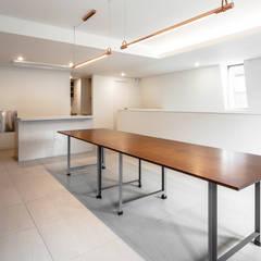대조동 '칠월': 서가 건축사사무소의  서재 & 사무실