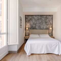 Europrooms bis: Camera da letto in stile  di Vivere lo Stile