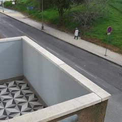Balcony by casasrenovatio