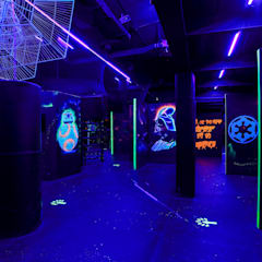 Laser Tag Arena:  Commercial Spaces by dal design office