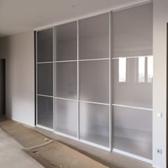 Sliding doors by Raumplus Russia