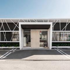 福井のクリニックリノベーション: CIRCLEが手掛けた医療機関です。,モダン 鉄筋コンクリート