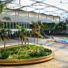 Jardines frontales de estilo  por Jardins do Paço