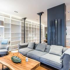 Reforma integral de un piso de Madrid: Salones de estilo  de AGi architects