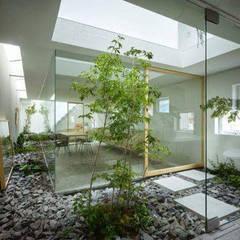 Tukang taman Surabaya -proyek Rumah tinggal:  Taman batu by Tukang Taman Surabaya - Tianggadha-art