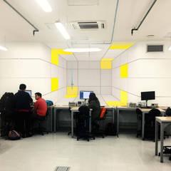 Arquitectura interior: Edificios de oficinas de estilo  por Quinta Fachada Studio  ¡Tú lo sueñas y nosotros lo proyectamos!