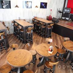 odywood – Endüstriyel Bar Masa ve Sandalyeleri:  tarz Yemek Odası