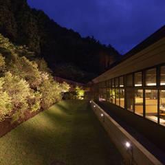 Gastronomía de estilo  por 株式会社KADO一級建築士事務所