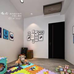 是回家也是旅行  飯店質感度假好宅:  嬰兒房/兒童房 by 木博士團隊/動念室內設計制作