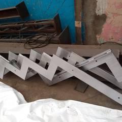 Escaleras de estilo  por Transformaciones Metalicas y Manufacturas A y S, S.de R. L. de C. V.