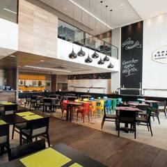 Restaurante: Espaços gastronômicos  por Interart Arquitetura