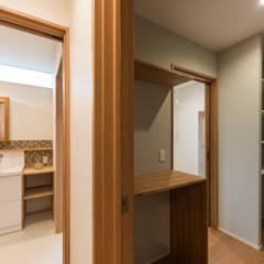 楽しく子育てできる家: 株式会社JA建設エナジーが手掛けたサンルームです。
