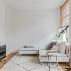 Woonkamer II home staging Amsterdam | Verkoopstyling TheGreenHouse Amsterdam:  Woonkamer door THE GREEN HOUSE Home staging