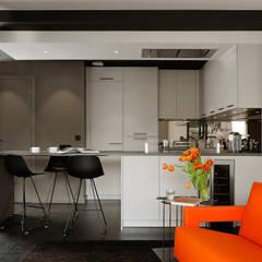 Appartement Saint Antoine: Éléments de cuisine de style  par Franck VADOT Architecture,