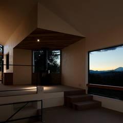 MaOL: キューボデザイン建築計画設計事務所が手掛けた窓です。