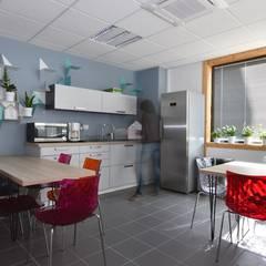 Cuisine d'entreprise: Bureaux de style  par Thierry Allard photographe