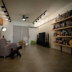 Living room by 大觀創境空間設計事務所,