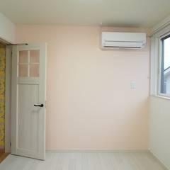 Girls Bedroom by 徳永建築事務所