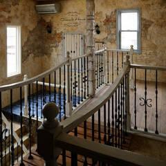 時とともに気づく、自分らしさ〜Y様邸〜 クラシカルスタイルの 玄関&廊下&階段 の 有限会社グリーンアンドハウス クラシック