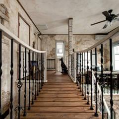 デザインに機能が溶け合う心地よさ〜S様邸〜 クラシカルスタイルの 玄関&廊下&階段 の 有限会社グリーンアンドハウス クラシック