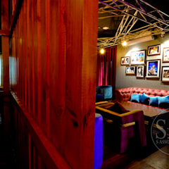 cafe studio:  Bars & clubs by S Associates