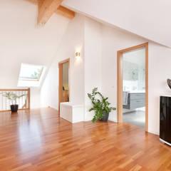 Kundenhaus U077:  Flur & Diele von TALBAU-Haus GmbH