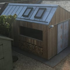 The Ungrateful shed:  Garage/shed by The Ungrateful shed company