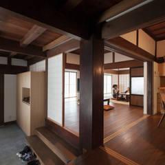 Corridor & hallway by 株式会社 自由工房