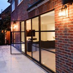 أبواب زجاجية تنفيذ IQ Glass UK