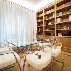 Oficinas y Tiendas de estilo  por Andrea Campodonico Photographer