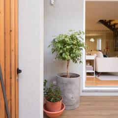 Moradia em Leça da Palmeira - SHI Studio Interior Design por SHI Studio, Sheila Moura Azevedo Interior Design Moderno