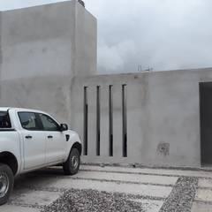 VIVIENDA EN CIUDAD DE CÓRDOBA - ARGENTINA: Casas pequeñas de estilo  por ESTUDIO PULAR,Minimalista Hormigón