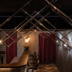 R-SUARED BAR:  酒吧&夜店 by 維斯空間創研有限公司,