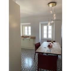 Apartamento T2 Estrela - Lisboa: Quartos  por EU LISBOA