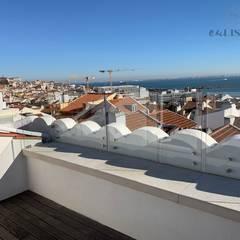 Apartamento T2 Estrela - Lisboa: Jardins  por EU LISBOA