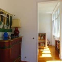 Apartamento T4 Ajuda - Lisboa: Escritórios e Espaços de trabalho  por EU LISBOA