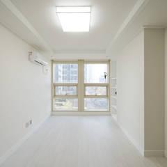 차분한 무드의 오피스텔 인테리어: 디자인 아버의  방