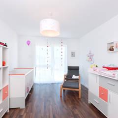 Kundenhaus U065:  Kinderzimmer Mädchen von TALBAU-Haus GmbH