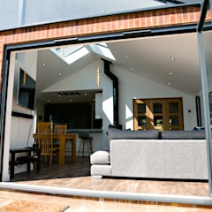 Rear Gable Extension - Stubbington:  Detached home by dwell design