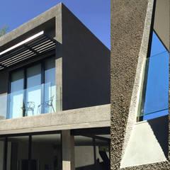 House Parkwood:  Houses by Huneberg Viljoen Architects