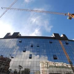Upon Lisbon Prime Residence: Janelas   por SAM'S - Soluções em alumínio e PVC