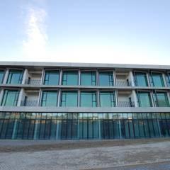 Edifício Sardinha Janelas e portas minimalistas por SAM'S - Soluções em alumínio e PVC Minimalista