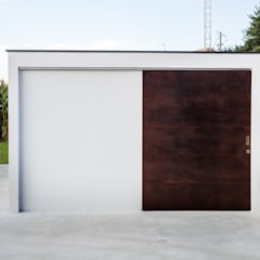 Garage Doors by AD+ arquitectura