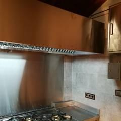 Finca privada en toledo: Cocinas integrales de estilo  de MAQUINARIA PINAR SL